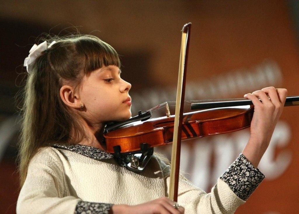 В связи с празднованием 300-летия Астраханской губернии был учрежден абсолютно новый Международный конкурс-фестиваль инструментального, вокального, театрального жанра и художественного искусства